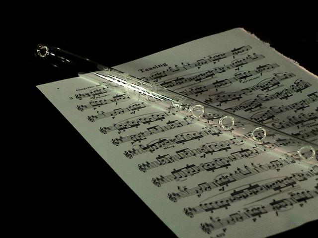 glass-flute-1423254-640x480
