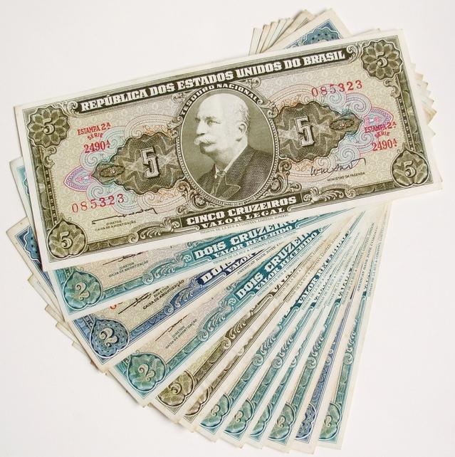 old-money-1239677-639x642