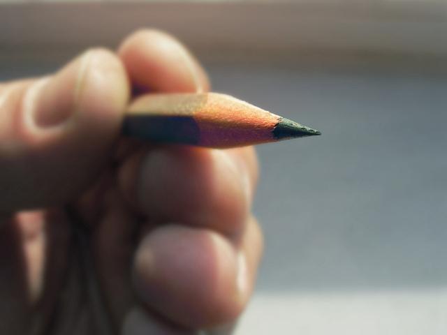 writing-1434981-640x480