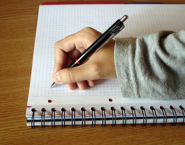 a-hand-writing-1238539-639x500