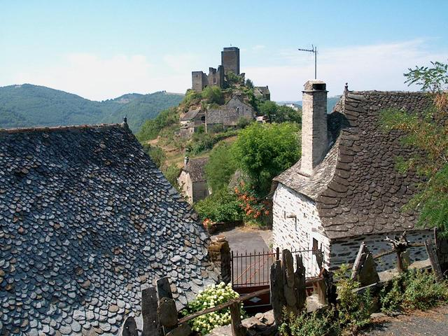 french-villages-1-1223005-640x480