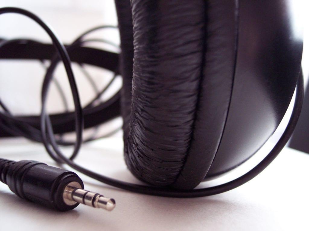 headphones-2-1503443