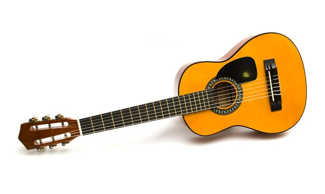 acoustic-guitar-1416582-639x382