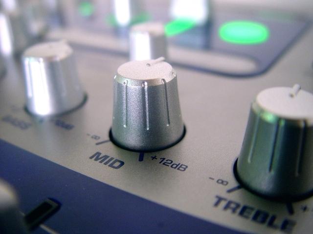 sound-equipment-1423548-640x480