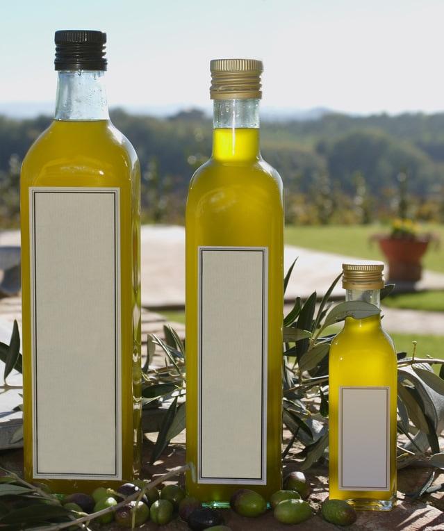 olive-oil-1329366-639x764