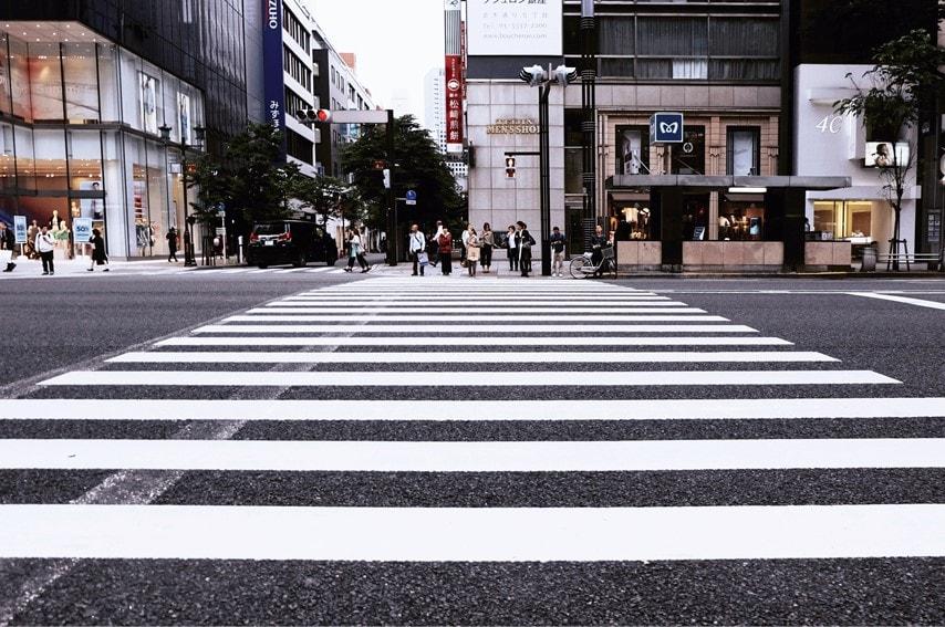 街の横断歩道