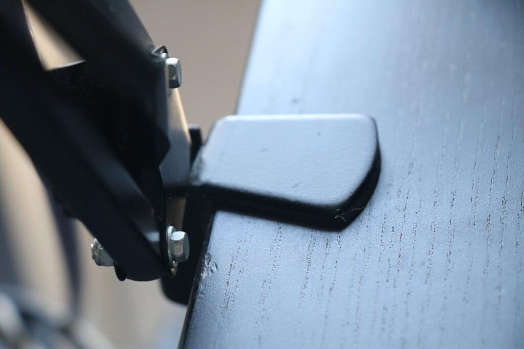 Tonorマイクアームと机の接合部分