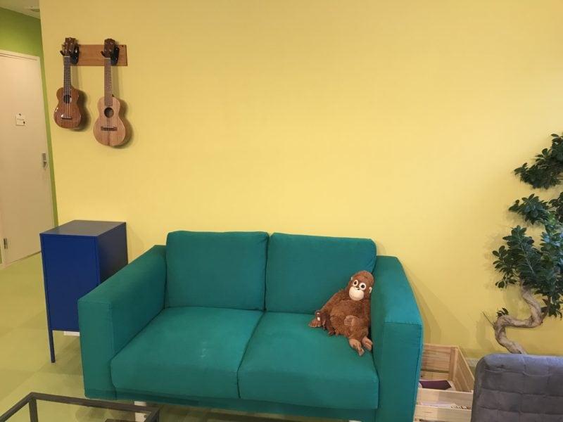 JOYミュージックスクールのソファー