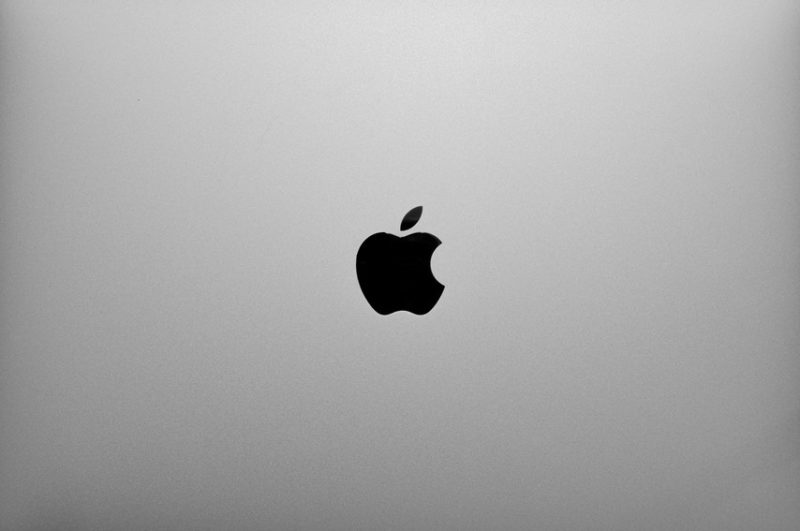 Macbookの背表紙