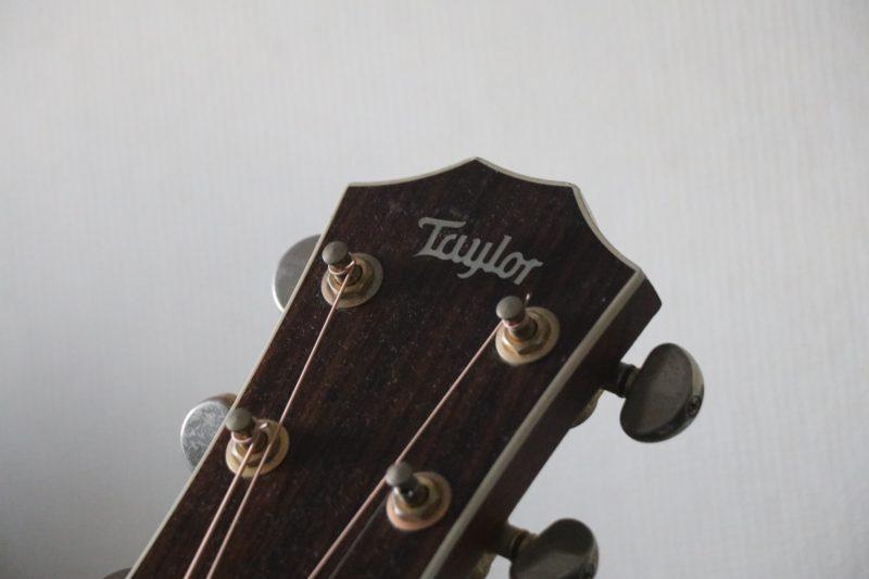 テイラーのギターヘッド