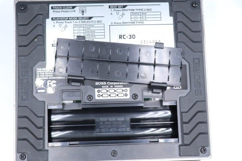 RC-30 電池入れる場所