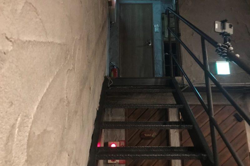 御茶ノ水KAKADO 楽屋への階段