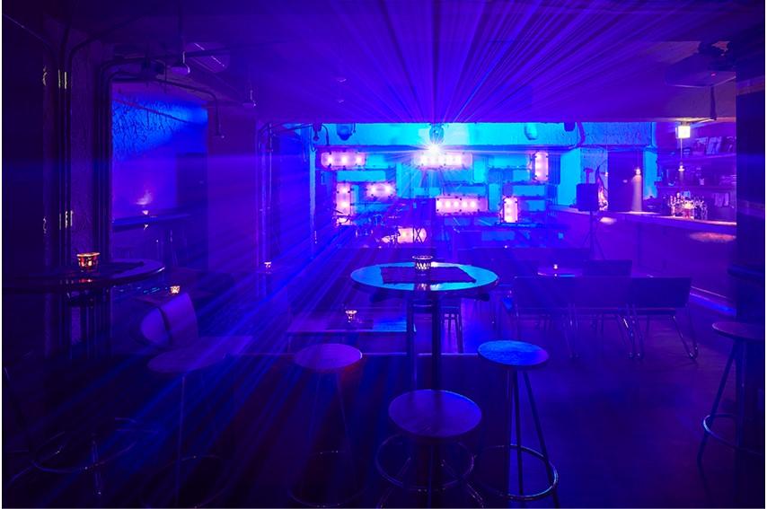 GrapeFruitMoonの青い照明