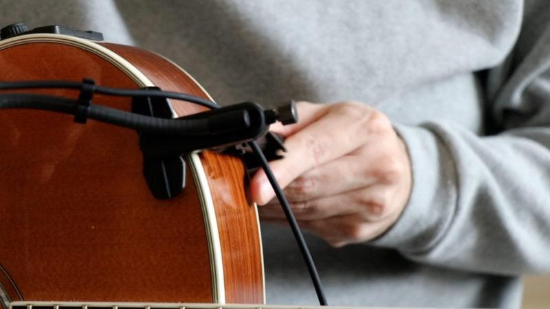 ATM350GLをギター上部に取付