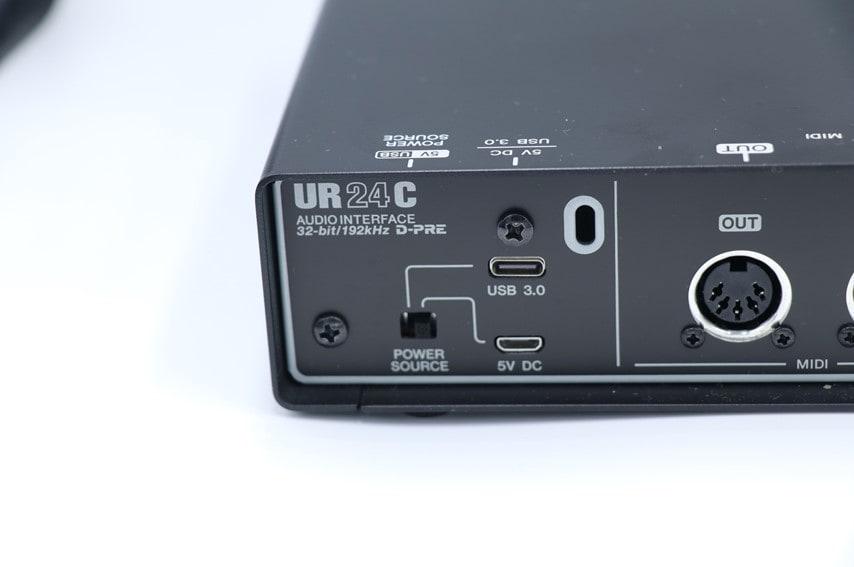 UR24Cの電源供給