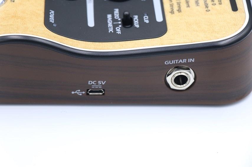 AC-3のギター接続口