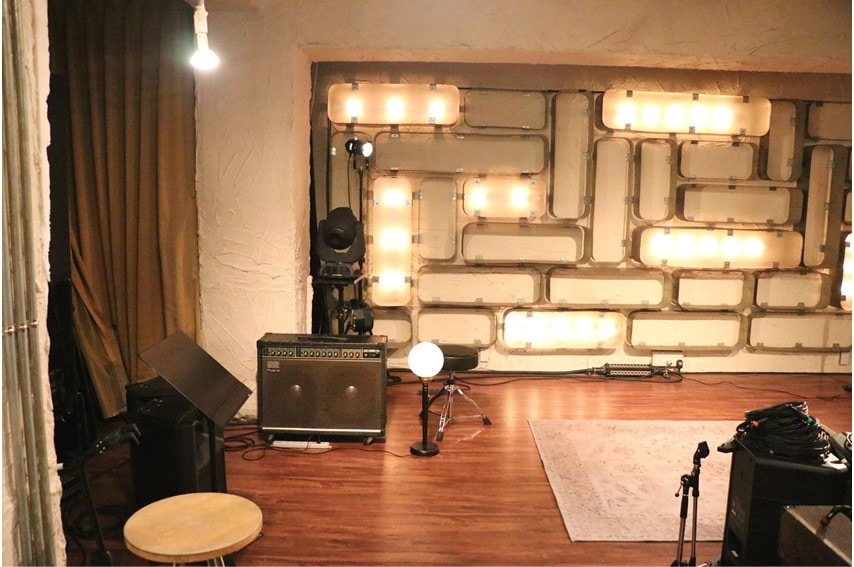 三軒茶屋GRAPEFRUIT MOONのステージ横
