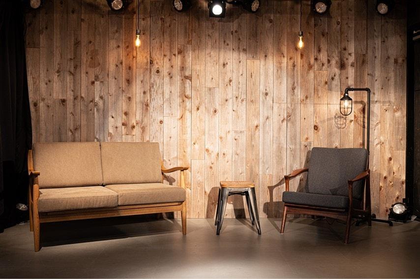 代官山nomad powerd by kusuguruのステージにソファーを設置