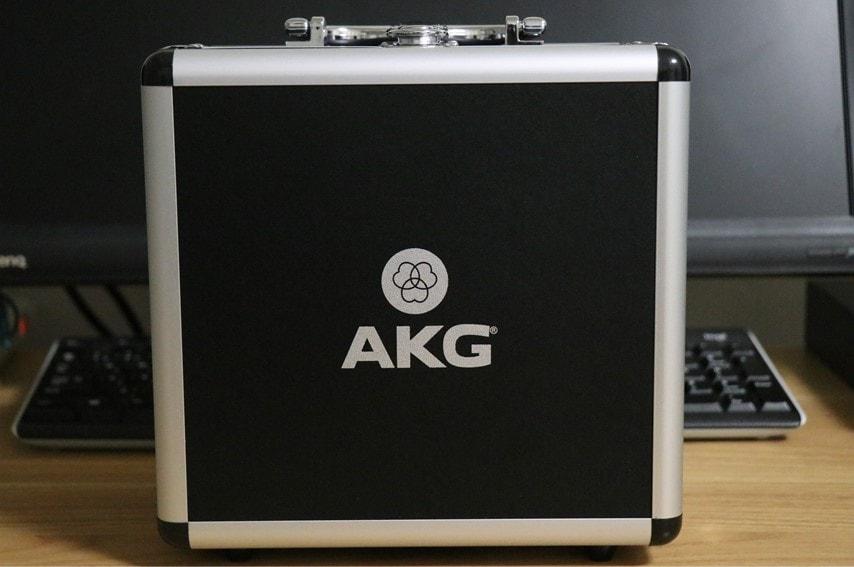 AKG P420付属のケース