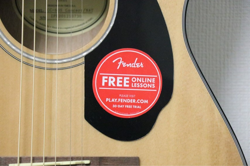 Fender CC-60S Concertのオンラインレッスンシール