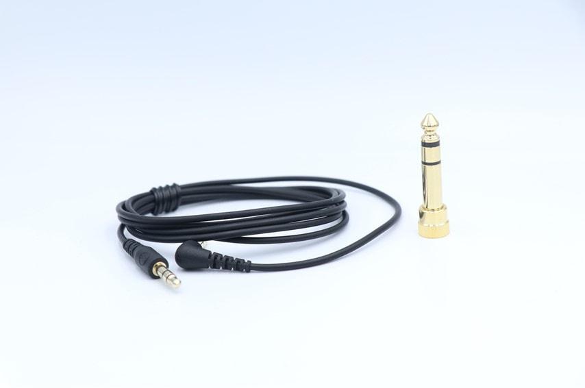 ATH-EP1000IR付属のケーブルと6.3mm変換アダプタ
