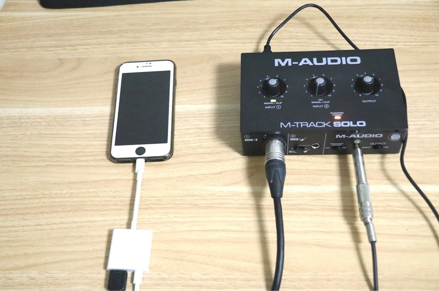 M-Track SoloをiPhoneに接続