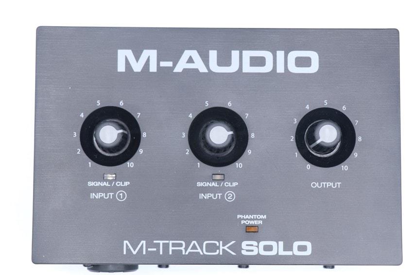 M-Audio M-Track soloを上から撮った写真