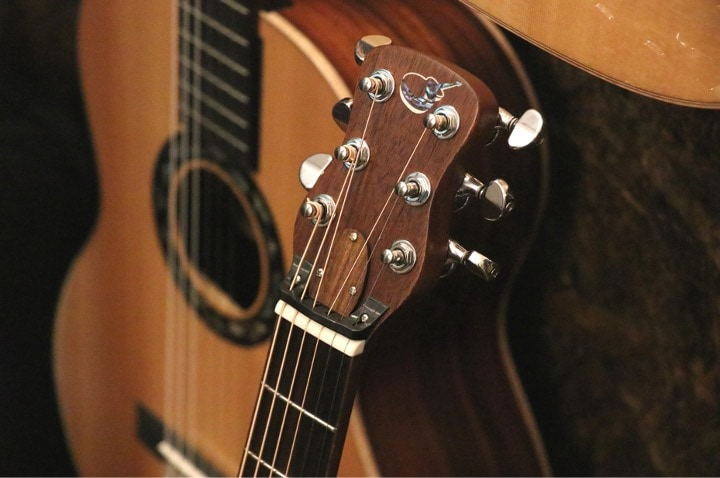 Journey Instruments OF422のギターヘッド