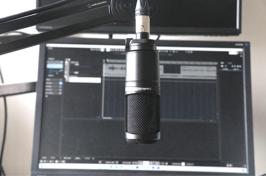audio technica AT2020をマイクアームで逆さに取付した3