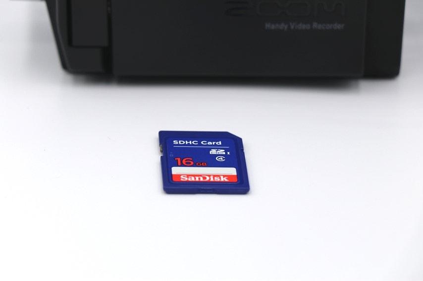 ZOOM Q8 別売りのSDカード
