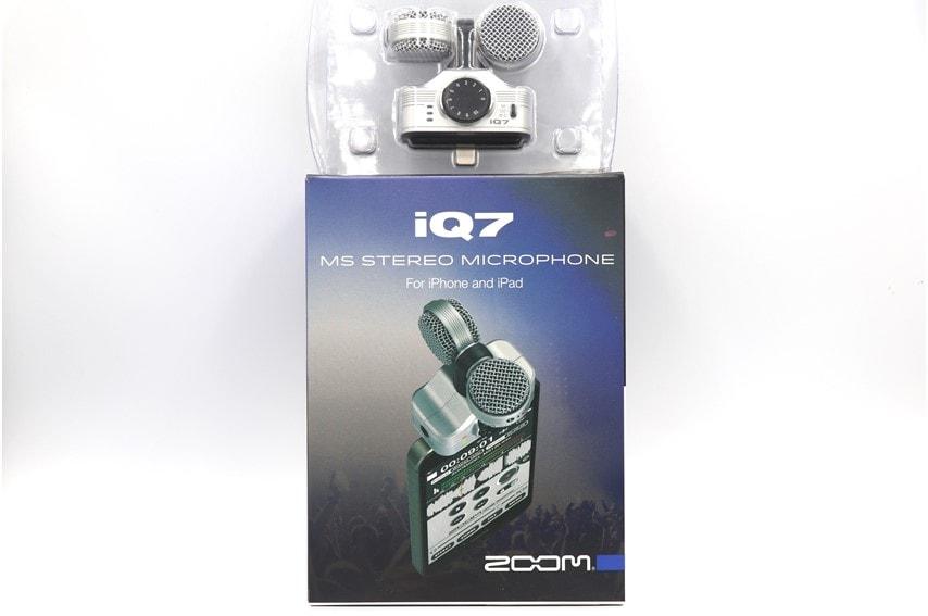 ZOOM iQ7の外箱と本体